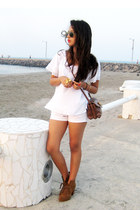 tawny pull&bear boots - brown pull&bear bag - white Bershka shorts - white vinta