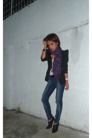 Topshop jeans - Mango top - Thrift Store scarf - Koket accessories - staccato sh