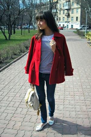 red Excelled coat - camel BagsHer bag - white Ruby&Bloom flats