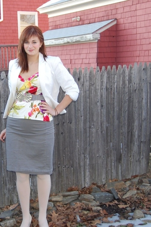 gray banana republic skirt - white Target tights - white Aldo shoes - white Fore