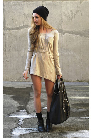 black boots - beige shirt