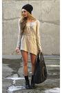 Black-boots-beige-shirt