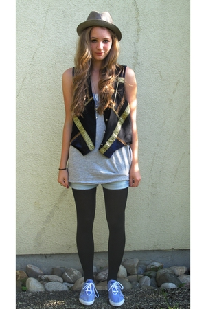 vest - top - shorts - tights - hat - shoes