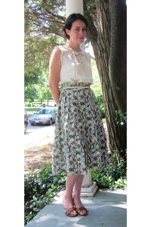 green floral georges memmi skirt - tan heeled sandal SM shoes