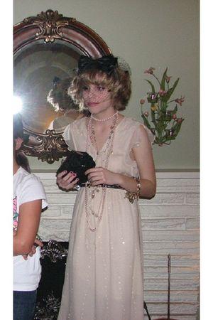 beige dress - black purse - black Forever 21