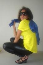 leggings - t-shirt - sweater - sunglasses -