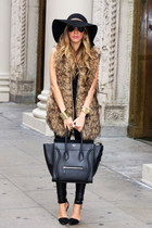 OVERSIZED FAUX FUR VEST AND THE CELINE MINI LUGGAGE BAG