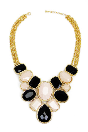 HAUTE & REBELLIOUS necklace
