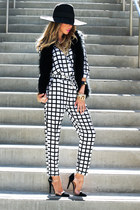 CHECKERED MATCH