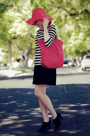 black oxfords H&amp;M shoes - H&amp;M dress - red Urban Outfitters hat - red Zara bag - 