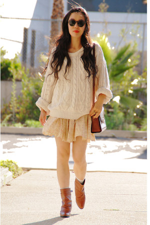 nude Zara skirt - tawny vintage boots - white vintage sweater