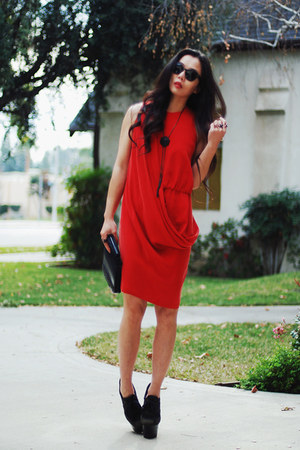 Burberry wedges - Gary Bigeni dress - LUV Aj accessories