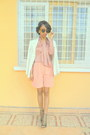 White-printemps-jacket-neutral-jupe-culotte-shorts-peach-blouse