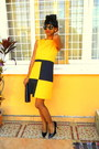 Yellow-homemade-mommys-creation-dress-black-pumps