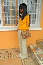 yellow Hanaclas sweater