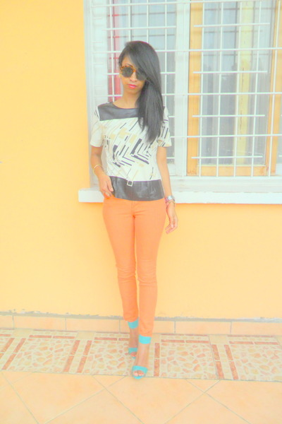 carrot orange Skinny jeans - ivory printed bi material blouse
