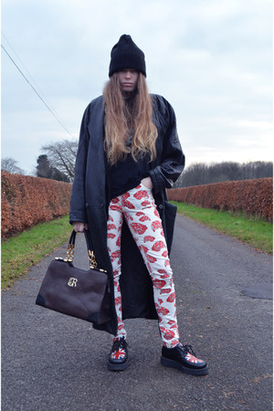 black Underground shoes - red JDW Anderson for Topshop jeans - black asos hat
