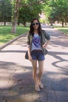 light purple skull H&M top - tan burlap TOMS shoes