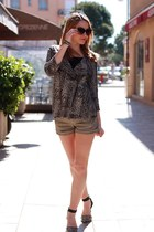 dark green Mango shorts - light brown BCBG Maxazria top - black Zara heels