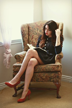 navy fit and flare modcloth dress - red suede banana republic pumps