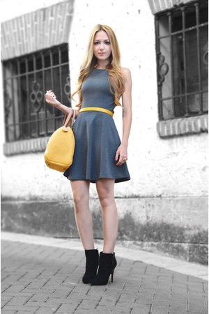 black Zara boots - gray Zara dress - mustard Carolina Herrera bag