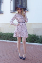 black BLANCO hat - light pink Queens Wardrobe dress - black Gucci sunglasses