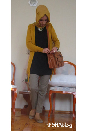 mustard scarf - black Genzo dress - tawny satchel LC Waikiki bag