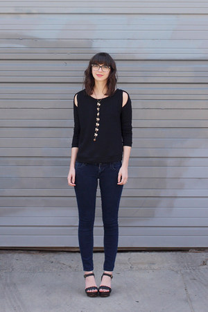 navy Old Navy jeans - black Nordstrom sweatshirt - eggshell By Beep necklace