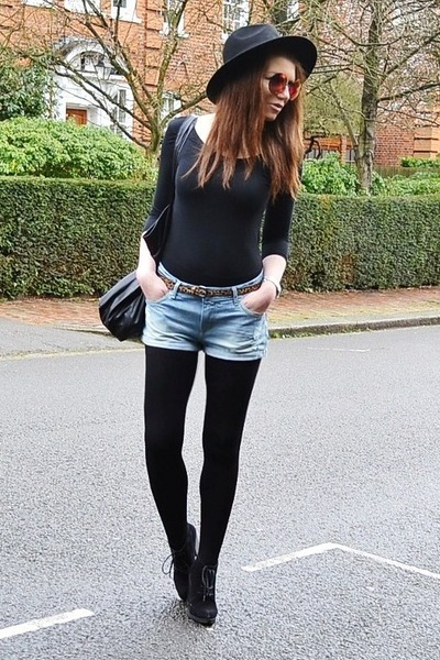 black suede Topshop boots - black fedora H&M hat - black oversized Topshop bag