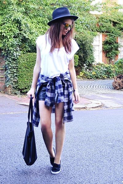 navy plaid H&M shirt - white cotton Zara t-shirt - black faux leather H&M skirt