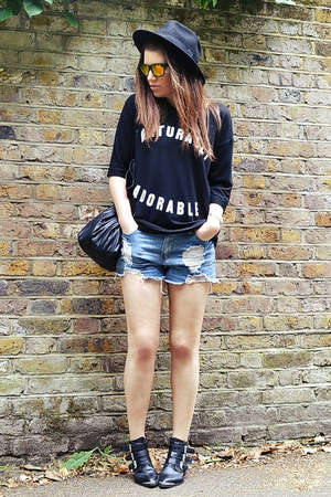 black cotton River Island sweatshirt - light blue denim Forever 21 shorts