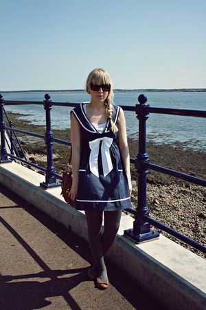 brown Primark bag - brown modcloth shoes - navy chicstar dress