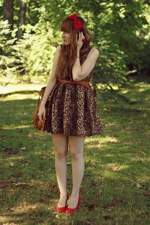 brown Siren dress - burnt orange reserved bag - red TJ Hughes heels