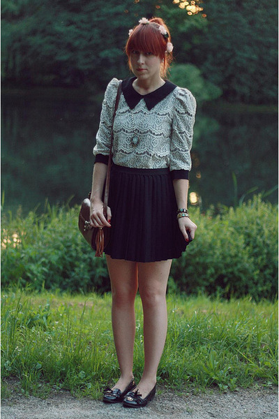 ivory lace Lalamagic blouse - black H&M skirt