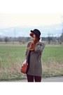 Black-h-m-hat-brick-red-new-look-leggings-tawny-new-look-bag