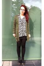 black Dr Martens boots - black leopard print H&M shirt