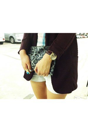 maroon cotton blazer - gray leopard print bag - white cotton shorts