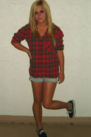 Buffalo Exchange shirt - Levis shorts - Vans shoes