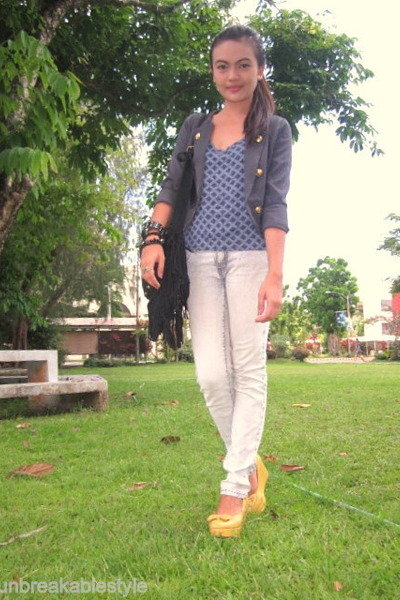 light yellow Parisian wedges - ivory acid wash Penshoppe jeans