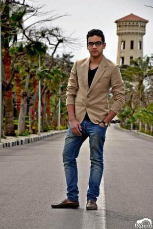 H&M shoes - blue Bershka jeans - tawny pull&bear blazer
