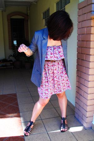 gray Topshop blazer - pink Berjaya Times Square dress - black Esarli shoes - bro