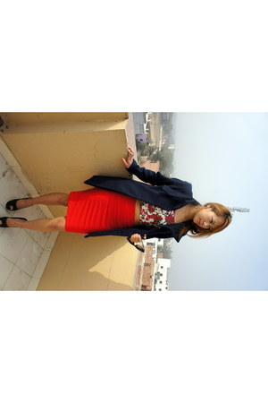 pencil skirt Forever 21 skirt - a shape Mango coat - cat eye Aldo glasses