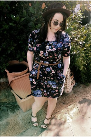 Ally dress - thrifted hat