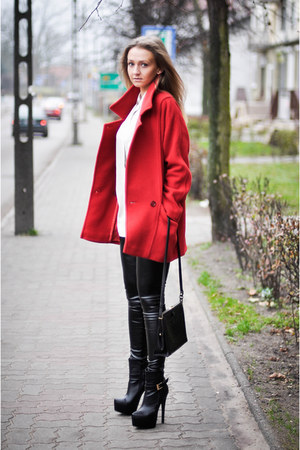 red second hand coat - black unknown leggings - beige second hand shirt