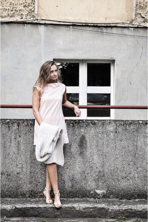 beige Zara sweater - light pink Yups dress - tan Stradivarius heels