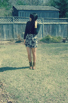 winners shorts - The Shoe Warehouse boots - Sirens blouse