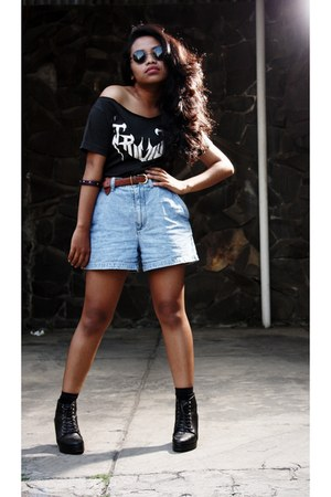 anonim shirt - glady boots - Limited shorts - Les Femmes accessories