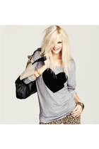 Gray Round Neck Heart Print Casual Sweatshirt