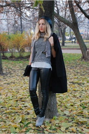 leather Oggi pants - felt Luciano Carvari boots - sequin Accessorize hat