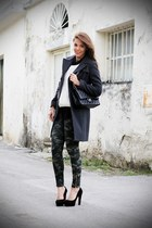 black Chanel bag - black B&H shoes shoes - black Kennet street coat
